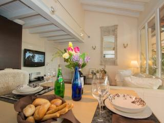 Romantic 1 bedroom Vacation Rental in Padenghe sul Garda - Padenghe sul Garda vacation rentals
