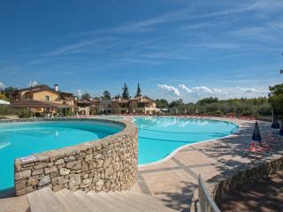 Nice Apartment with A/C and Shared Outdoor Pool in Manerba del Garda - Manerba del Garda vacation rentals