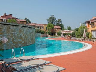 Bright 1 bedroom Condo in Province of Brescia - Province of Brescia vacation rentals