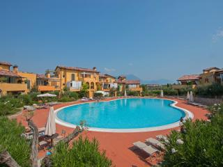 2 bedroom Apartment with Internet Access in Manerba del Garda - Manerba del Garda vacation rentals