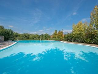 Beautiful Chalet with Internet Access and A/C - Polpenazze del Garda vacation rentals