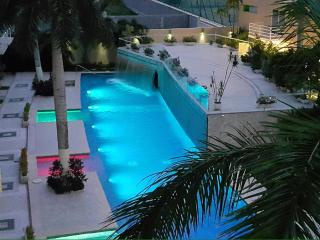 Nice Condo with A/C and Satellite Or Cable TV - Acapulco vacation rentals