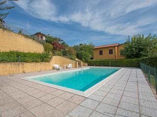 Nice 2 bedroom Apartment in Soiano Del Lago - Soiano Del Lago vacation rentals