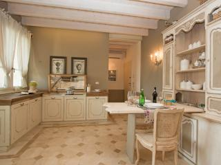 Beautiful Pozzolengo Apartment rental with A/C - Pozzolengo vacation rentals