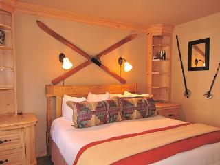 Viking Lodge #218 - Fireplace/Balcony/Views/Pool/HotTub/Parking/Steps to Lift - Telluride vacation rentals