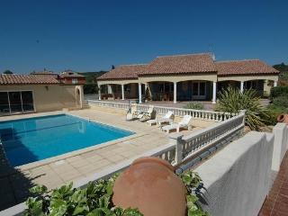 Perfect Villa with Internet Access and A/C - Cessenon-sur-Orb vacation rentals