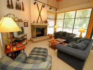 Ski Tip Townhomes 8730 - On free shuttle, granite counters, washer/dryer, private garage! - Keystone vacation rentals