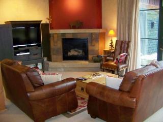 Ski Tip Townhomes 8741 - 4 bedroom multi-level town home- sleeps 8 - Keystone vacation rentals