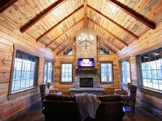 Brand New Luxury Cabin in Broken Bow, OK - Broken Bow vacation rentals