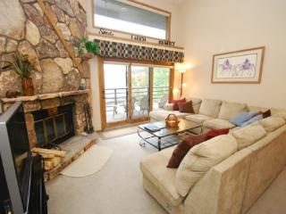 Snowdance Manor 408 - Walk to slopes, indoor pool and hot tub, Mountain House! - Keystone vacation rentals