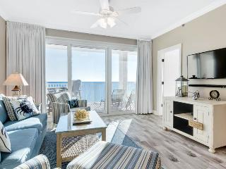Comfortable 2 bedroom Condo in Seacrest Beach with Waterfront - Seacrest Beach vacation rentals