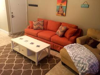 Comfortable 2 bedroom Apartment in Pensacola Beach - Pensacola Beach vacation rentals
