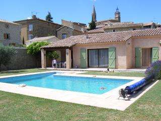Uzes Le Pin Villa 6 personnes avec piscine - Bagnols-sur-Ceze vacation rentals