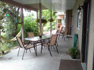 2 bedroom House with Internet Access in Westbank - Westbank vacation rentals
