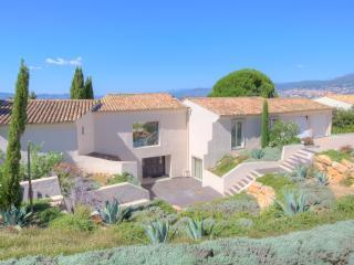 Charming 6 bedroom Mouans-Sartoux Villa with Hot Tub - Mouans-Sartoux vacation rentals