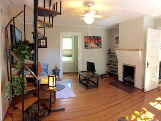 Comfortable 1 bedroom Cottage in Asheville with Internet Access - Asheville vacation rentals