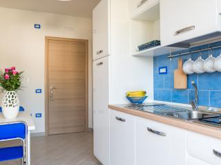 Casa Vacanze Elvè - Appartamento Anemone - Paestum vacation rentals