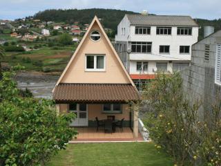Cozy house near the beach - Cabana de Bergantinos vacation rentals