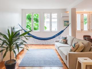 Bright & Cheery 2 Bedroom Apartment in Leblon - Rio de Janeiro vacation rentals