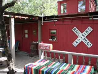 Cozy Tree house with Television and Microwave - Bandera vacation rentals