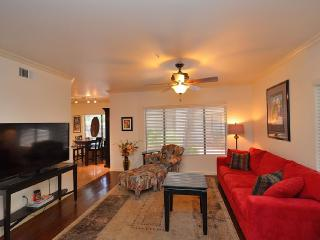 Charming N Central Phx Condo-Gated - Phoenix vacation rentals