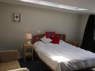 1 bedroom Bed and Breakfast with Internet Access in New Plymouth - New Plymouth vacation rentals