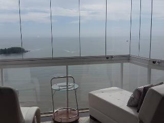 APTO FRENTE AO MAR  BAL. CAMBORIÚ - Balneario Camboriu vacation rentals