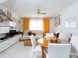 Nice duplex near Las Vistas, Las Americas - Playa de las Americas vacation rentals