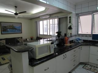232 SOBRE MAR AV. ATLANTICA  BAL. CAMBORIÚ 2 DORM - Balneario Camboriu vacation rentals