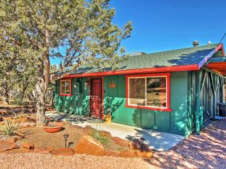 Cute & Cozy 2BR Payson Home w/Wifi, Nice Deck, Partial Mogollon Rim Views & Very Private Setting - Less than ½ Mile from Graff Road Trailhead! Close to Golf, Shopping, Fishing & More - Payson vacation rentals