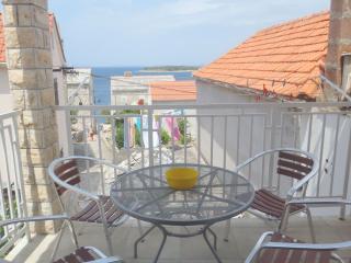 5098  A2 SREDNJI (6) - Primosten - Primosten vacation rentals