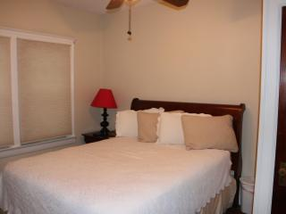 2 bedroom House with Internet Access in Cleveland - Cleveland vacation rentals