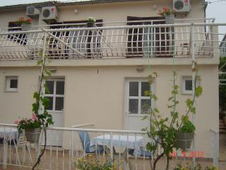 5644  A4(2+1) - Supetar - Supetar vacation rentals