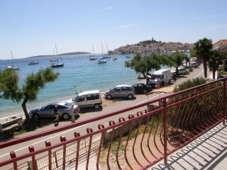Cozy 2 bedroom Apartment in Primosten with Satellite Or Cable TV - Primosten vacation rentals