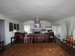 Hollywood Charming 2BR/2BA Home with Sun room - Los Angeles vacation rentals