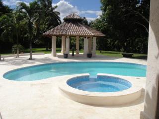 Nice 5 bedroom Villa in La Romana - La Romana vacation rentals