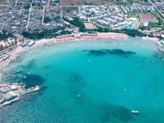 A pochi passi dalla spiaggia 3 cam 2 bagni 9 posti - Sant'Isidoro vacation rentals