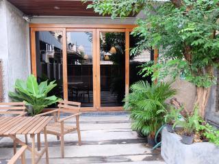 3 bedroom House with Internet Access in Bangkok - Bangkok vacation rentals