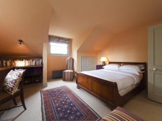 onefinestay - Alwyne Villas apartment - London vacation rentals