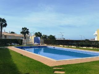 Beautiful 4 bed townhouse with communal pool wi-fi & english TV - Guia vacation rentals