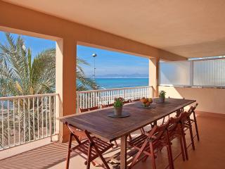 Frontline apartment with stunning views of Arenal - Palma de Mallorca vacation rentals