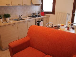 Nice Condo with Dishwasher and Washing Machine - Ponzano Veneto vacation rentals