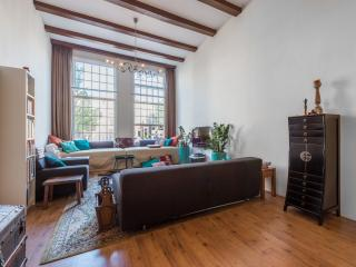 Nice Condo with Washing Machine and Television - Amsterdam vacation rentals
