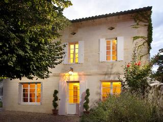 Luxury Villa in the walled village of St.Emilion - Saint-Emilion vacation rentals