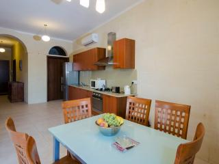 Beautiful 3 bedroom Condo in Xaghra - Xaghra vacation rentals