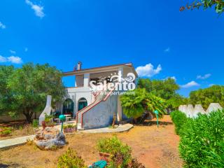 Cozy 2 bedroom House in Torre Colimena - Torre Colimena vacation rentals