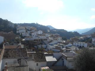 Village House Maltby, Riogordo - Riogordo vacation rentals