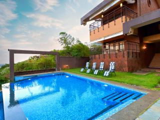 SkyHigh - 4 Bed OceanView Candolim Pool Villa - Candolim vacation rentals