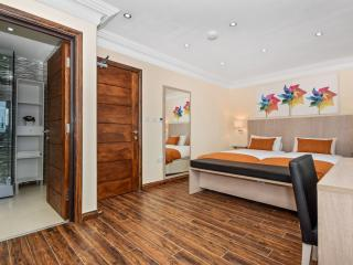One Bedroom Apartment - Commercial Road - London vacation rentals