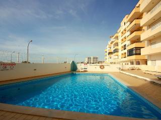 Golfinho - pool & 75 meters from the beach - Quarteira vacation rentals